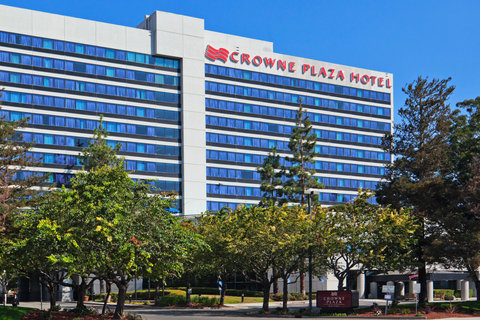 Crown Plaza front 2